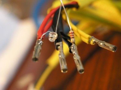 Светещи конектори на ATX захранване